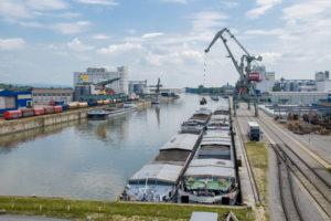 Güterumschlag im Osthafen des bayernhafen Regensburg