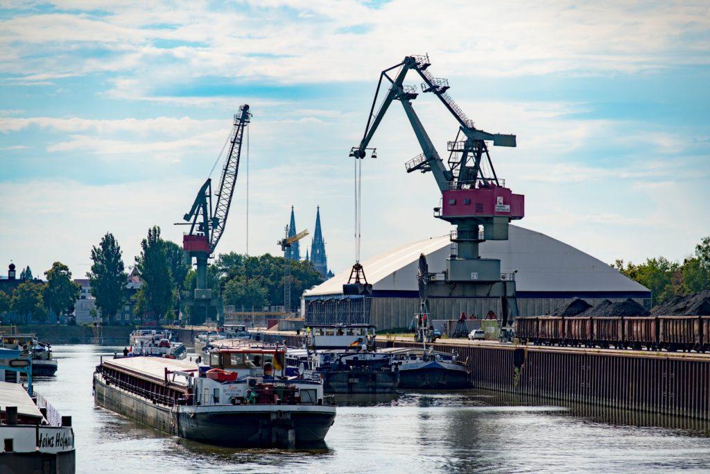Hafenbecken Westhafen bayernhafen Regensburg Rush Hour