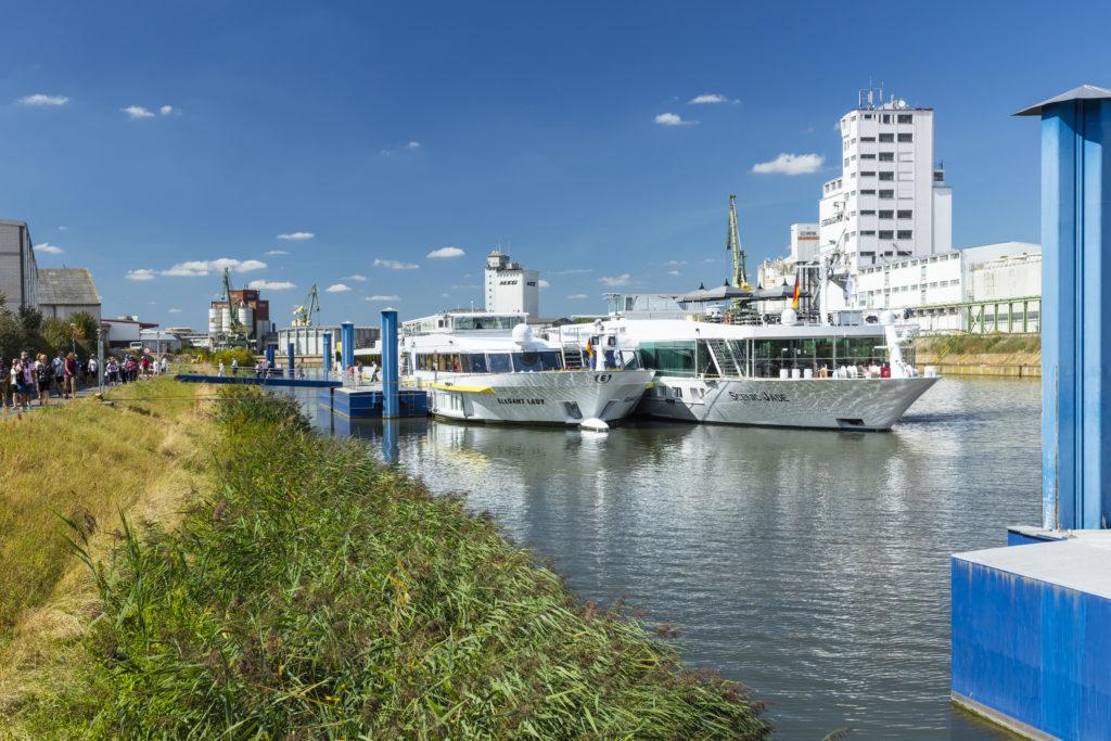 Anlegestelle Flußkreuzfahrtschiffe bayernhafen Bamberg