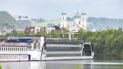 Flusskreuzfahrtschiffe bayernhafen Passau Racklau Ama Magna