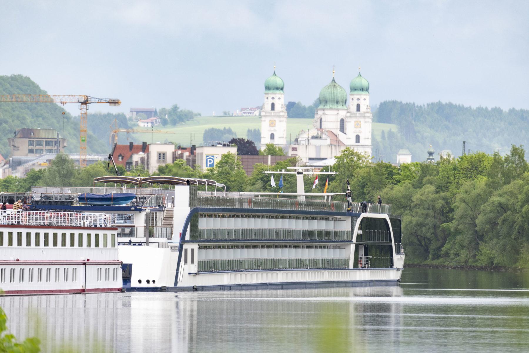 Cruise Ship bayernhafen Passau
