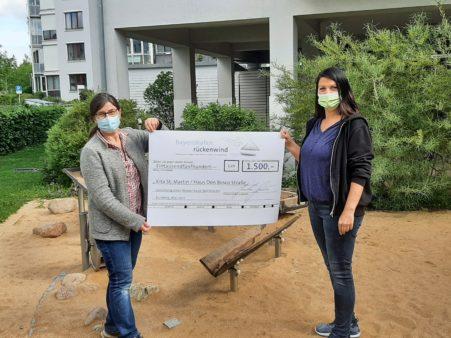 Donation award to St. Martin's Children's Daycare Centre, Don Bosco-Straße house