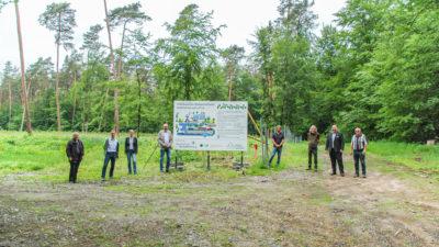 Group photo before reforestation in Hübnerwald Stockstadt